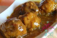 Albóndigas en salsa de cebolla y azafrán
