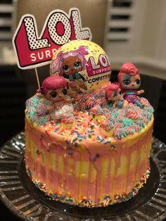 LOL Surprise Cake + 30 Lol Dolls Cake Templates - Birthday Cakes - How to make <-> Doll Birthday Cake, Funny Birthday Cakes, Birthday Fun, Frozen Chocolate, Melting Chocolate, Afternoon Tea, Lol Doll Cake, Cake Templates, Surprise Cake
