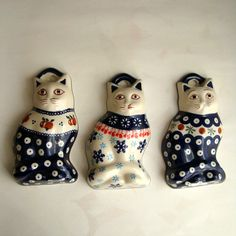 Cat magnets, Polish pottery