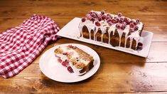 Cranberry Cheesecake Banana Bread Has Everything Going For ItDelish Carrot Banana Cake, Best Carrot Cake, Make Banana Bread, Banana Bread Recipes, Raspberry Smoothie, Apple Smoothies, Cookie Recipes, Dessert Recipes, Baking Recipes