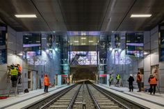 "Düsseldorf's New ""Wehrhahn Line""  l Algorithms then translate the movements of passers-by at the entrance to the station into geometrical patterns are shown on the screen. Photo © Jörg Hempel"