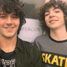 Who said we couldn't mess with time-traveling rules offset ? We'll let you guys prophesy, we gon see the futur first !  @romannberrux is definitely the best young me I could have hope for  #minime #oldyou #continuum #outlander #clanfraser #fergalicious