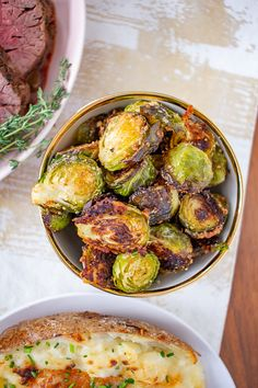 These Garlic Parmesan Roasted Brussels Sprouts are a fuss-free vegetable side dish that can be made with just moments of active preparation time. Barbecue Side Dishes, Bagel Sandwich, Roasted Carrots, Garlic Parmesan, How To Make Salad, Stop Eating, Vegetable Side Dishes, Brussels Sprouts, Cooking Recipes