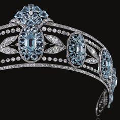 Cute Jewelry, Jewlery, Renaissance Jewelry, Vintage Hair Combs, Diamond Tiara, Aquamarines, Royal Jewels, Tiaras And Crowns, Vintage Hairstyles