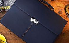 Luxusní dárky a kožené doplňky | ANTORINI® Continental Wallet, Fashion, Moda, Fashion Styles, Fashion Illustrations