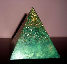 Orgone Orgonite Pyramid Positive Energy Generator Hand Crafted neautralizes DOR