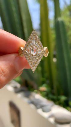 Baguette Engagement Ring, Cushion Cut Engagement Ring, Diamond Engagement Rings, White Gold Wedding Bands, Wedding Rings, Art Deco Diamond, Pretty Rings, Rose Cut Diamond, Royal Jewelry