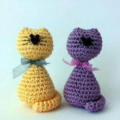 Free Pattern to make amigurumi cats (Italian blog). ༺✿ƬⱤღ https://www.pinterest.com/teretegui/✿༻