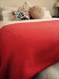 Manta de lana. 65%lana de llama 35% lana de oveja. Encontrala en www.quieronorte.com.ar