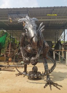 Alien Queen life size sculpture, protecting its eggs, scrap metal art made in Thailand Heavy Metal Art, Scrap Metal Art, Life Size Statues, Sculpture Metal, Alien Queen, Welding Art, Welding Ideas, Steel Art, Iron Art