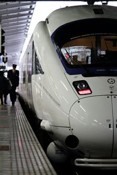 Every Railroad Enthusiast's Dream Come True! Fukuoka Japan, Japan Japan, Japan Train, Tramway, High Speed Rail, Rail Transport, Electric Train, Speed Training, Rolling Stock