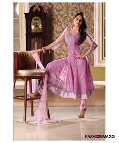 Lets tour on abaya designs, long frocks, indian bridal wear, pakistani dresses and mehndi designs, lehenga choli and eye makeup Indian Frocks, Indian Dresses Online, Dress Online, Frock Fashion, Salwar Kameez, Anarkali Churidar, Churidar Suits, Anarkali Dress, Bollywood Saree