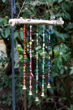 Beaded Wind Chime Craft Instructions #gardentherapy #gardenart #windchime #beadwork