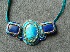 """collier tendance ethnique brodé lapis lazuli """" BLEUE ISPAHAN"""" : Collier par esther-willer"""