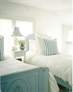 A picture perfect bedroom from the Valerie Smith house in New York....picture in House Beautiful, March, '06