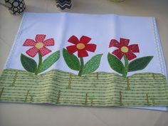 I think I could make these flowers and put them on a ribbon skirt. Patch Quilt, Quilt Blocks, Hand Embroidery Designs, Applique Designs, Handmade Crafts, Diy And Crafts, Butterfly Shower Curtain, Baby Sheets, Sewing Aprons
