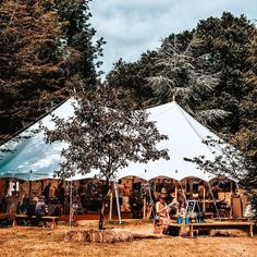 @kissinggateevents offer wild weddings in fields, woodland & lakeside venues. Their service including Marquees, Bell Tents, Horsebox Bar, Catering, Event Planning & Management, Horsebox WC! Find out more at www.yourhampshiredorset.wedding/supplier/az/23541/kissing-gate-events