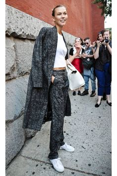 Karlie Kloss wins the street style scene at New York Fashion Week #Normcore