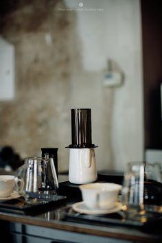 Eat Berlin - Bonanza Coffee Heroes by Marta Greber Coffee Carts, Coffee Shop, Bistros, Best Espresso, Cafe Style, Coffee Break, Best Coffee, Barista, Espresso Machine