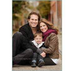 Love this family shot. (Definitely works better with a winter wardrobe, though.)