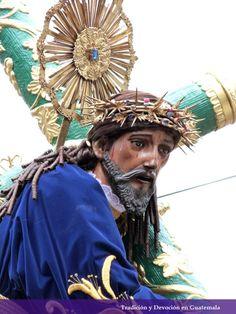 Consagrada Imagen de Jesus Nazareno del Rescate, Templo de Santa Teresa. Miercoles santo 2013