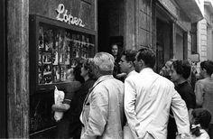 centenariojuanlopez @centenariojuanl  5 de mar. #Murcia. La foto de hoy. Exposición @centenariojuanl  La vitrina de Fotos Lopez, en la Calle Trapería.