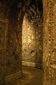 Shell Grotto, Margate by AllieW. (Kent, 4.6 MM shells, 70ft of winding underground passages leading to a rectangular chamber, 2000sqft of mosaic.