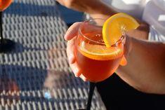 Sara – Oppskrift: Aperol spritz Alcoholic Drinks, Food, Animals, Liquor Drinks, Meal, Hoods, Alcoholic Beverages, Alcohol, Eten