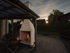 Byg en flot pejs i haven Outdoor Spaces, Outdoor Living, Room Of One's Own, Outdoor Gardens, Outdoor Furniture, Architecture, Nice, Inspiration, Batcave