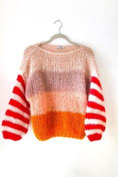 Nudish Stripe Big Mohair Sweater - Bohem Stil Nudish Stripe Big Mohair Sweater Record of Knitting Yarn spinning, weaving and stitchin. Mohair Sweater, Knit Fashion, Mode Outfits, Striped Knit, Sweater Weather, Winter Sweaters, Pulls, Knitting Patterns, Knitting Yarn