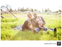 Family photo ideas. Playful and casual!!