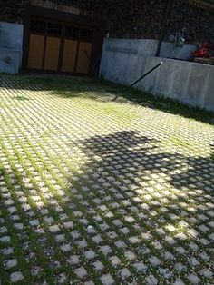 A PERMEABLE DRIVEWAY | SUGAR house STYLE