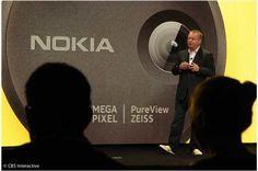 Nokia brings on heavy camera in Lumia 1020..