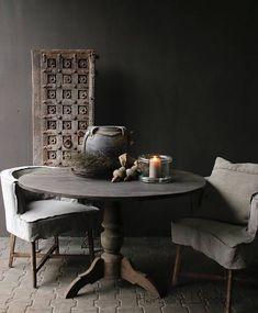 Aura peeperkorn Stoere ronde tafel gemaakt van oud gebruikt hout