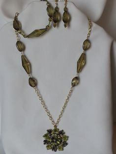 Chain Hunter Green Flower Pendant Necklace with Earrings Set and Bracelet by CreationsbyJF on Etsy