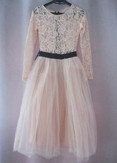 Kup mój przedmiot na #vintedpl http://www.vinted.pl/damska-odziez/sukienki-wieczorowe/17338167-rare-london-limited-edition-sukienka-tutu-tiulowa-koronka-rozkloszowana-hit-s