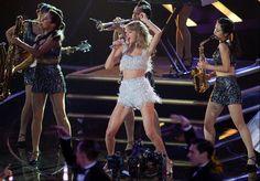Singer Taylor Swift performs at the 2014 MTV VMAs
