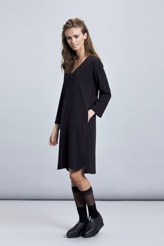 This dress is the ultimate black dress. Feel comfortable, sophisticated and sexy at the same time with this classic oversize dress! 3/4 sleeves make