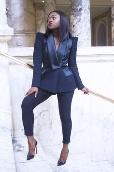 This Dice Kayek jacket is a total dream. Classy Outfits, Chic Outfits, Girl Outfits, Fashion Outfits, Fashion Line, Suit Fashion, Suits For Women, Clothes For Women, How To Look Classy
