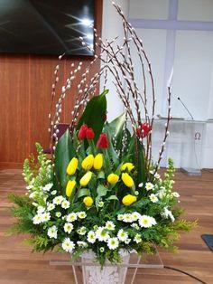 Sunflower Arrangements, Creative Flower Arrangements, Spring Flower Arrangements, Beautiful Flower Arrangements, Floral Arrangements, Beautiful Flowers, Easter Flowers, Spring Flowers, Flower Packaging