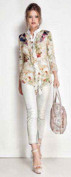 Lookbook Collection | Daniela Dallavalle, I like the blouse…feminine!