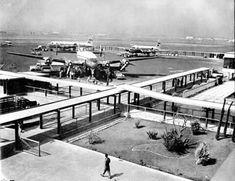 Vista del Aeropuerto de la Ciudad de México a inicios de los cincuentas