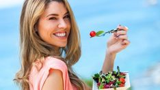 Your 500 calorie diet menu will comprise raw fruits and vegetables that contain minimal amounts of carbs and fat. In this article a diet plan has been chalked out. Dieta Atkins, Atkins Diet, Dieta Detox Menu, Menu Dieta, Weight Loss Supplements, Natural Supplements, Sumo Natural, Comidas Light, Living At Home