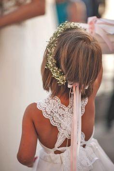 24 Cute Flower Girl Hairstyles ❤ See more: http://www.weddingforward.com/flower-girl-hairstyles/ #wedding #flowergirl #hairstyles