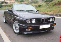BMW E30.