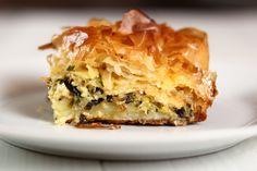 Try This Greek Leek Pie Recipe (Phyllo Pie) With Leeks and Cheese No Bake Pumpkin Pie, Baked Pumpkin, Phyllo Recipes, Pie Recipes, Recipies, Leek Pie, Cheese Stuffed Mushrooms, Onion Pie, Tomato Pie