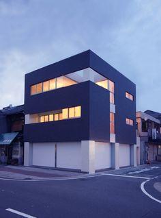 Glass continuity building design