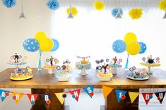 yellow-submarine-party-table