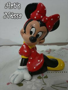 Art's Nêssa - Artesanato: Minnie sentada vestido vermelho