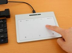 エルミタージュ秋葉原 – スマホのようにPCを操作できるジェスチャー対応タッチパッドが上海問屋から